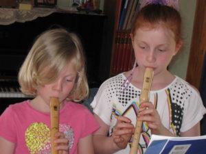 Unterricht an der Blockflöte in der Musikschule Nienstädt