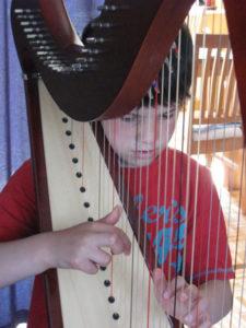 Unterricht an der Harfe - Musikschule Nienstädt Irene Buzalkovski